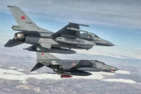 Νέες προκλήσεις Τούρκων: «Τσαμπουκάδες» στο Αιγαίο με 14 μαχητικά