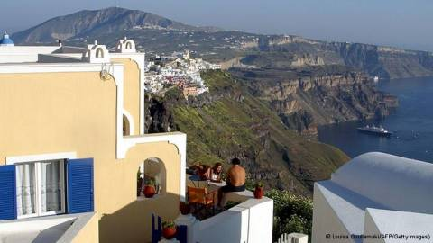 Ο τουρισμός αύξησε σημαντικά τα έσοδά του το 2013