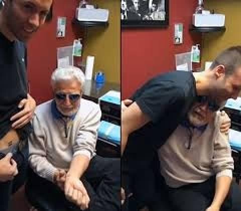 80χρονος έκανε τατουάζ για να στηρίξει τον εγγονό του! (βίντεο)