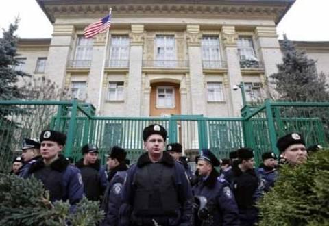 Ουκρανία: Οι ΗΠΑ χαρακτήρισαν «τρομοκρατία» την απαγωγή παρατηρητών