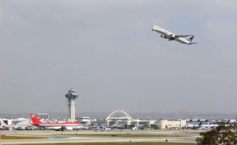 Σφάλμα σε υπολογιστή ελέγχου πτήσεων προκάλεσε χάος στο Λος Άντζελες