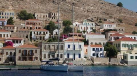 Χάλκη: Σάλος με αναφορές για όργια σε μοναστήρι