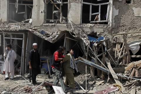 Αφγανιστάν: Τουλάχιστον 13 νεκροί, 30 τραυματίες σε βομβιστική επίθεση