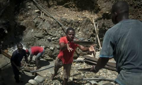 Κολομβία: Τρεις νεκροί από κατολίσθηση σε παράνομο ορυχείο