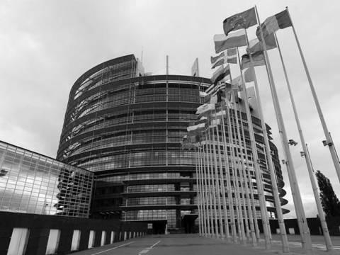 Σαρώνει το κύμα ευρωσκεπτικιστών