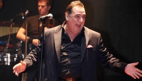«Σπάει ταμεία»: Το τραγούδι που έγραψε ο Βασίλης Καρράς στον Κιντάτο