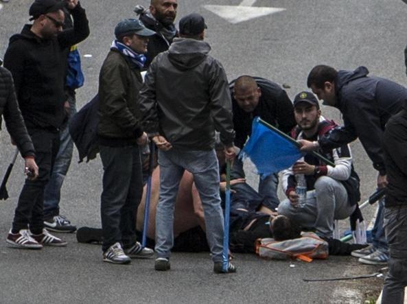 Συνελήφθη φίλαθλος της Ρόμα  για τον τραυματισμό οπαδών (pics+video)