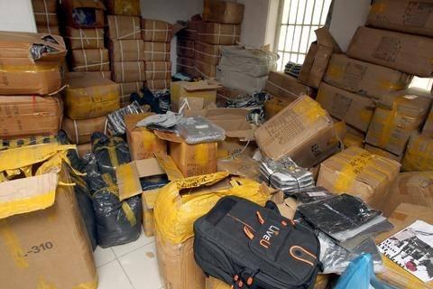 Κατασχέθηκαν 3.000 προϊόντα παραεμπορίου στη Θεσσαλονίκη