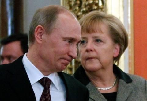 Ουκρανία: Τηλεφωνική συνομιλία Μέρκελ-Πούτιν για την κρίση