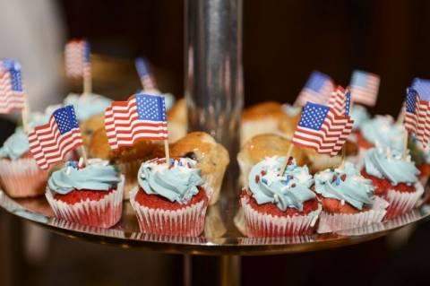 Αηδιαστική εκδίκηση: Έφηβη τους έδωσε cupcakes με...