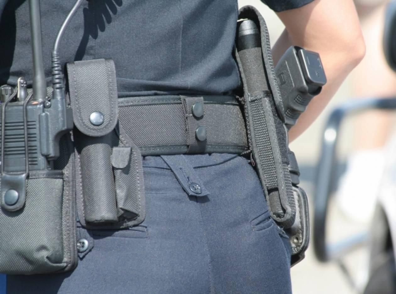 Γυναίκα αστυνομικός έκλεβε καλλυντικά από κατάστημα