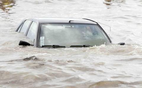 Λαύριο: Βρέθηκε όχημα μέσα στη θάλασσα που είχε στο εσωτερικό του... ανθρώπινα οστά!