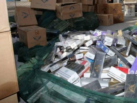 Πουλούσαν λαθραία τσιγάρα σε λαϊκή αγορά