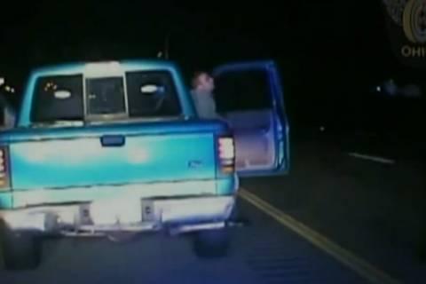Οχάιο: Αστυνομικός τύφλωσε μεθυσμένο οδηγό! (video)