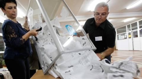 «Το Κρεμλίνο σέβεται την έκβαση των δημοψηφισμάτων»