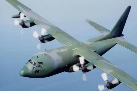 C-130 μετέφερε 3 εγκύους από την Κω και την Σαντορίνη στην Αθήνα
