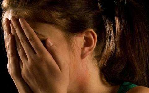 ΣΟΚ στη Ρόδο: «Με κλείδωσαν και με ανάγκασαν να κάνω σεξ με 15 άτομα»