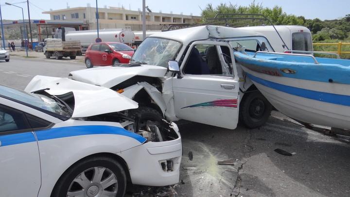 Ρόδος: Σοβαρό τροχαίο με 2 περιπολικά – Στο νοσοκομείο 2 παιδάκια