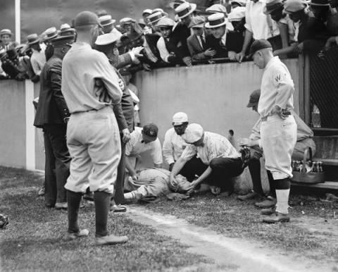 Φωτό-ρετρό με τον Babe Ruth αναίσθητο