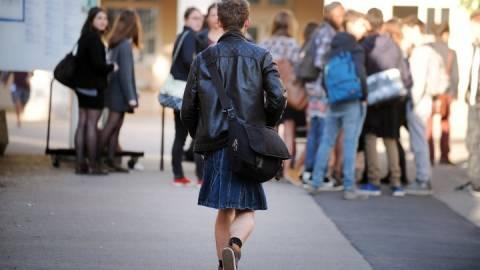 Αγόρια πήγαν στο σχολείο τους φορώντας... φούστες! (pics)