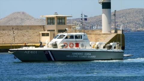 Αποκολλήθηκε το φορτηγό πλοίο με τους 2.200 τόνους λίπασμα