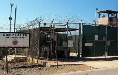 Υπέρ της απεργίας πείνας αποφάσισε δικαστήριο για κρατούμενο στο Γκουαντάναμο