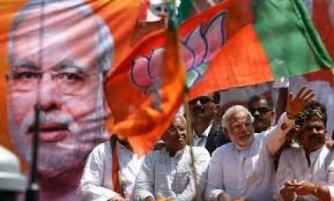 Υποδοχή ήρωα επιφύλαξαν στο Ν. Δελχί οι υποστηρικτές του στον Ν. Μόντι