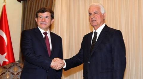 Νταβούτογλου και Έρογλου συζήτησαν για το Κυπριακό