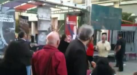 Αποτελέσματα εκλογών 2014: Οι πρώτες αντιδράσεις στο εκλογικό κέντρο της Δούρου (βίντεο)