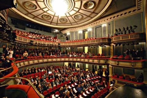 Μεγάλες παραγωγές όπερας και μπαλέτου