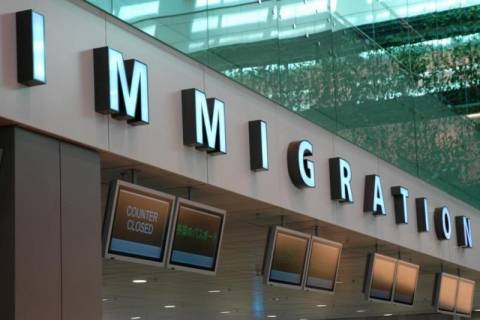 New York Times: Επείγον ευρωπαϊκό πρόβλημα η μετανάστευση