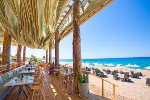 Φέτος κάντε παιχνίδι στην παραλία «THE DUNES BEACH» στην COSTA NAVARINO!