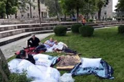 Αλβανία: Απεργία πείνας από απολυμένους υπαλλήλους του δημοσίου