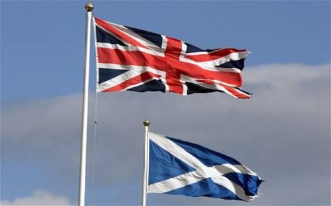 Η βρετανική κυβέρνηση υποσχέθηκε να χορηγήσει στη Σκωτία μεγαλύτερη αυτονομία
