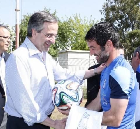 Επίσκεψη στην Εθνική ποδοσφαίρου ο Αντώνης Σαμαράς
