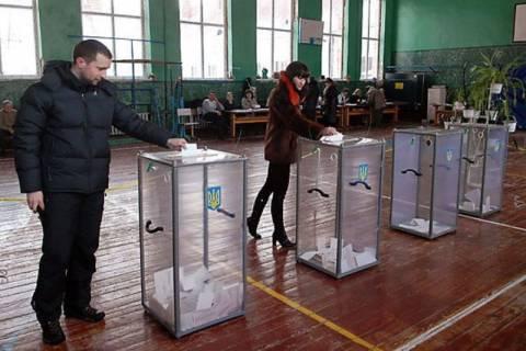 Ουκρανία: Λίγα ανοικτά εκλογικά τμήματα στις ανατολικές περιοχές