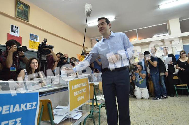 Εκλογές 2014: Μηνύματα νίκης από Τσίπρα - Σακελλαρίδη - Δούρου (pics&vid)