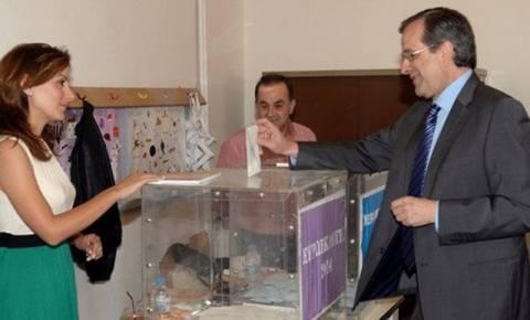 Ευρωεκλογές 2014: Χωρίς την κόρη του πήγε να ψηφίσει ο Σαμαράς