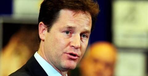 Βρετανία: Πιέσεις στον Νικ Κλεγκ να παραιτηθεί