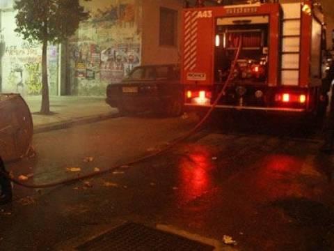 Υπό έλεγχο πυρκαγιά σε χώρο στάθμευσης αυτοκινήτων, στο Χαλάνδρι