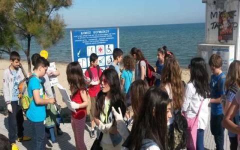Θεσσαλονίκη: Εθελοντικός καθαρισμός ακτής σε Περαία και Ν. Επιβάτες