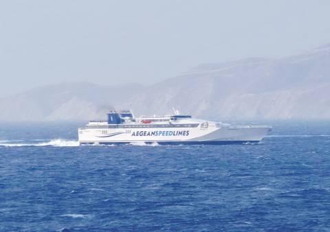 Μήλος: Πρόσκρουση του επιβατικού πλοίου στην προβλήτα του λιμανιού