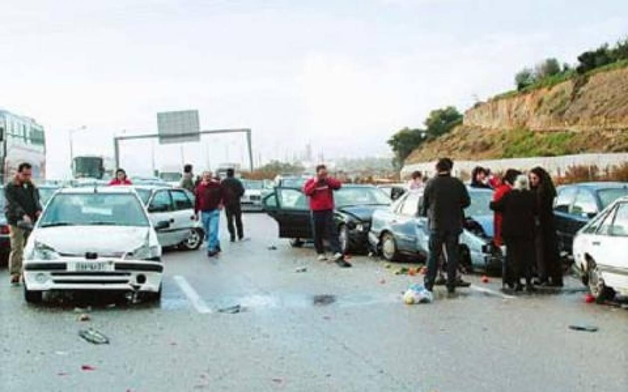 Θεσσαλονίκη: Τρία αυτοκίνητα τράκαραν στην Περιφερειακή στην έξοδο Πανοράματος