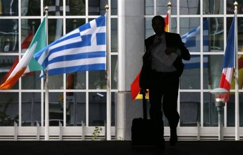 ΔΝΤ προς ΕΕ: Πρέπει να ελαφρύνετε το ελληνικό χρέος