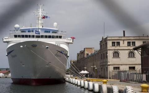Σάμος: Θερμή υποδοχή στο πρώτο κρουαζιερόπλοιο