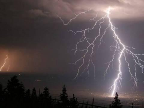 Έρχεται κύμα κακοκαιρίας: Με βροχές και καταιγίδες μας μπαίνει ο Ιούνιος
