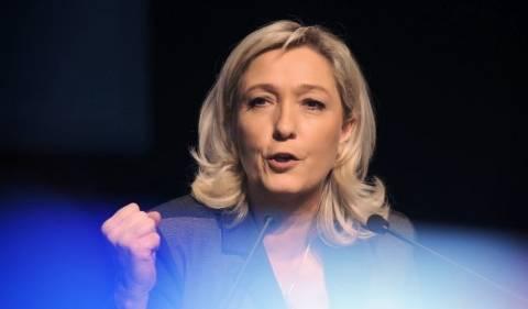 Η Μαρίν Λε Πεν στέλνει προειδοποιητικό μήνυμα στην Μέρκελ
