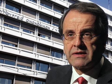 Ανασχηματισμός: Ο Σαμαράς στο... υπουργείο Οικονομικών