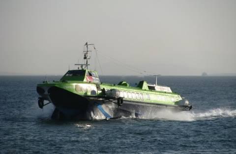 Μηχανική βλάβη σε «ιπτάμενο δελφίνι» στο Αγκίστρι