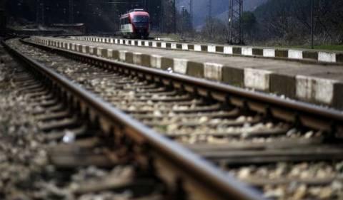 ΣΟΚ στην Ημαθία: Τρένο διαμέλισε άντρα που ξάπλωσε στις ράγες